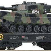 Wagon platforma podczołgowa DB AG z polskim czołgiem Leopard Sahmms (Roco 66724)